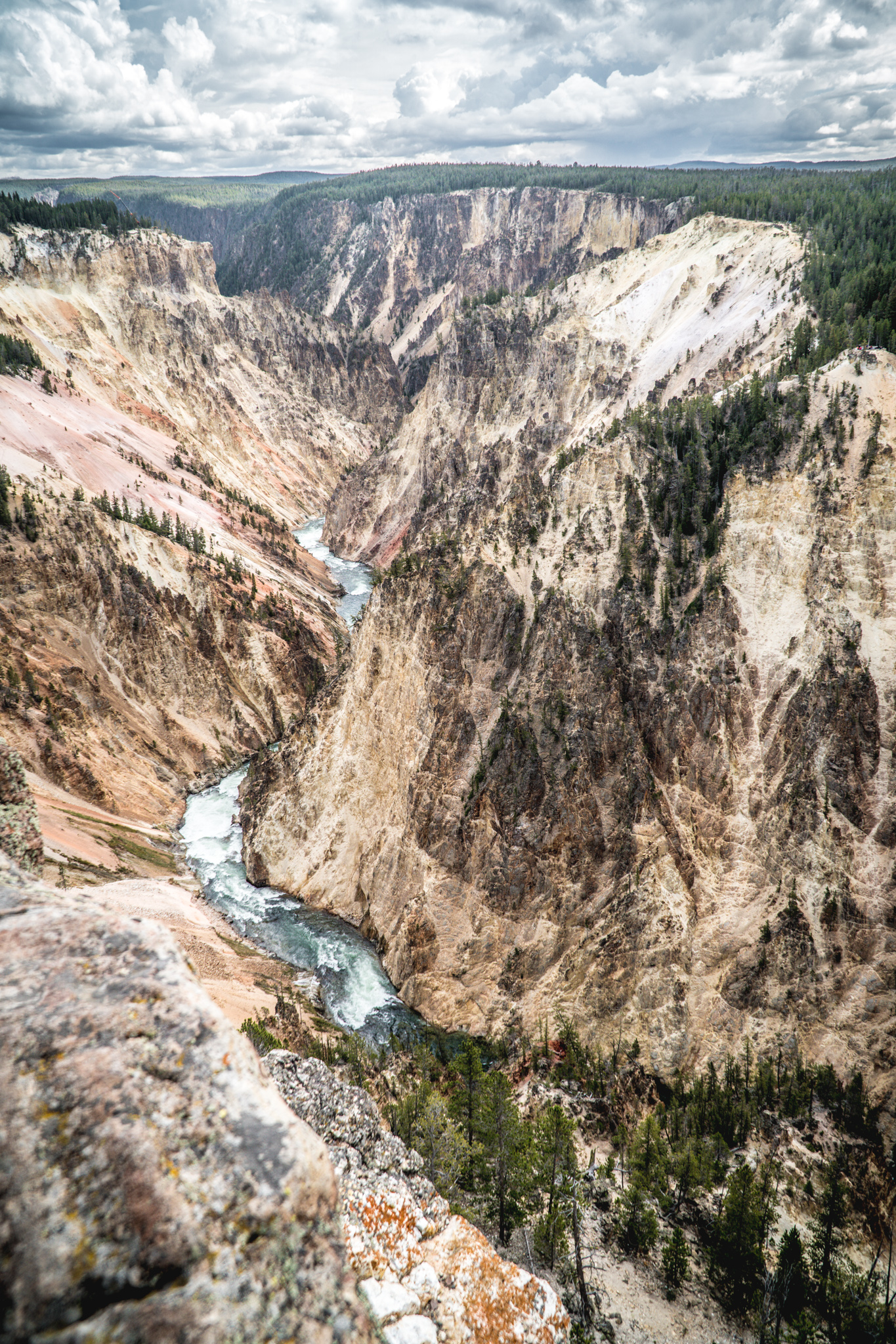 Christmas Week in Photos: The Grand Canyon of Yellowstone