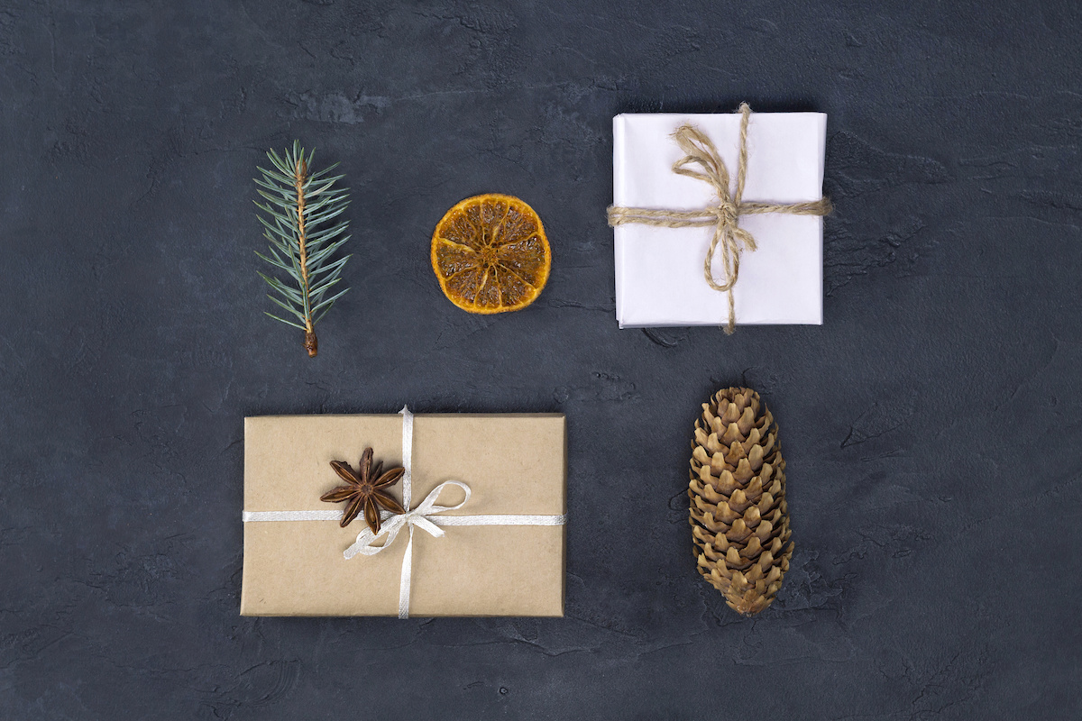 100+ minimalist gift ideas for being more frugal